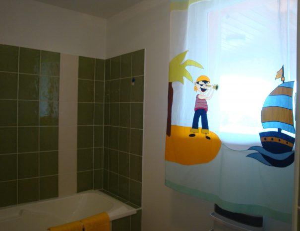 1.salle de bains junior