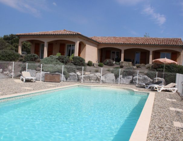 photo villa avec piscine