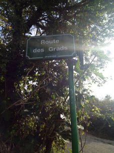 photo panneau route des Grads